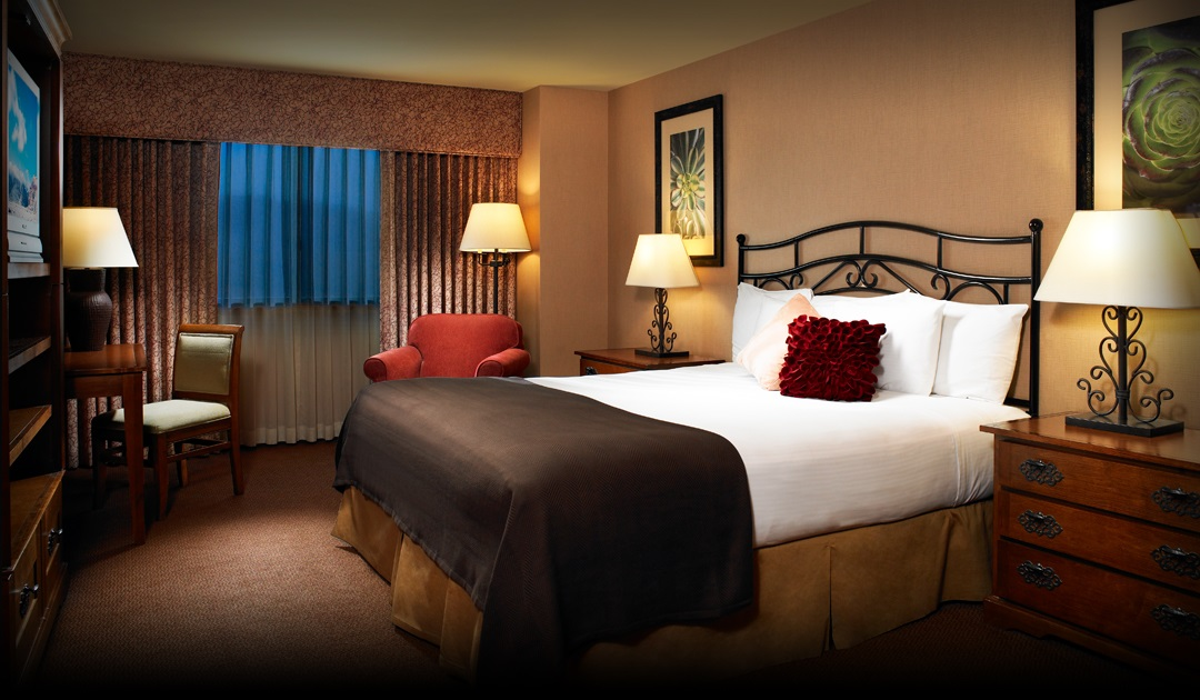 King bed room at Santa Fe Station Hotel & Casino